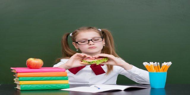 تعرف على التغذية الصحيحة وقت الإمتحانات