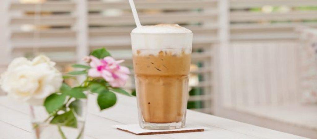 حضري قهوة إسبريسو الباردة في 5 دقائق