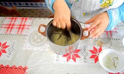 خلط الملوخية مع الزيت
